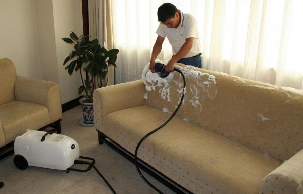 Một số cách đơn giản làm sạch ghế sofa da